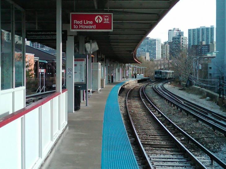 Redline to Howard Train, Chicago